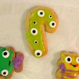 Christmas cookies! With eyes!