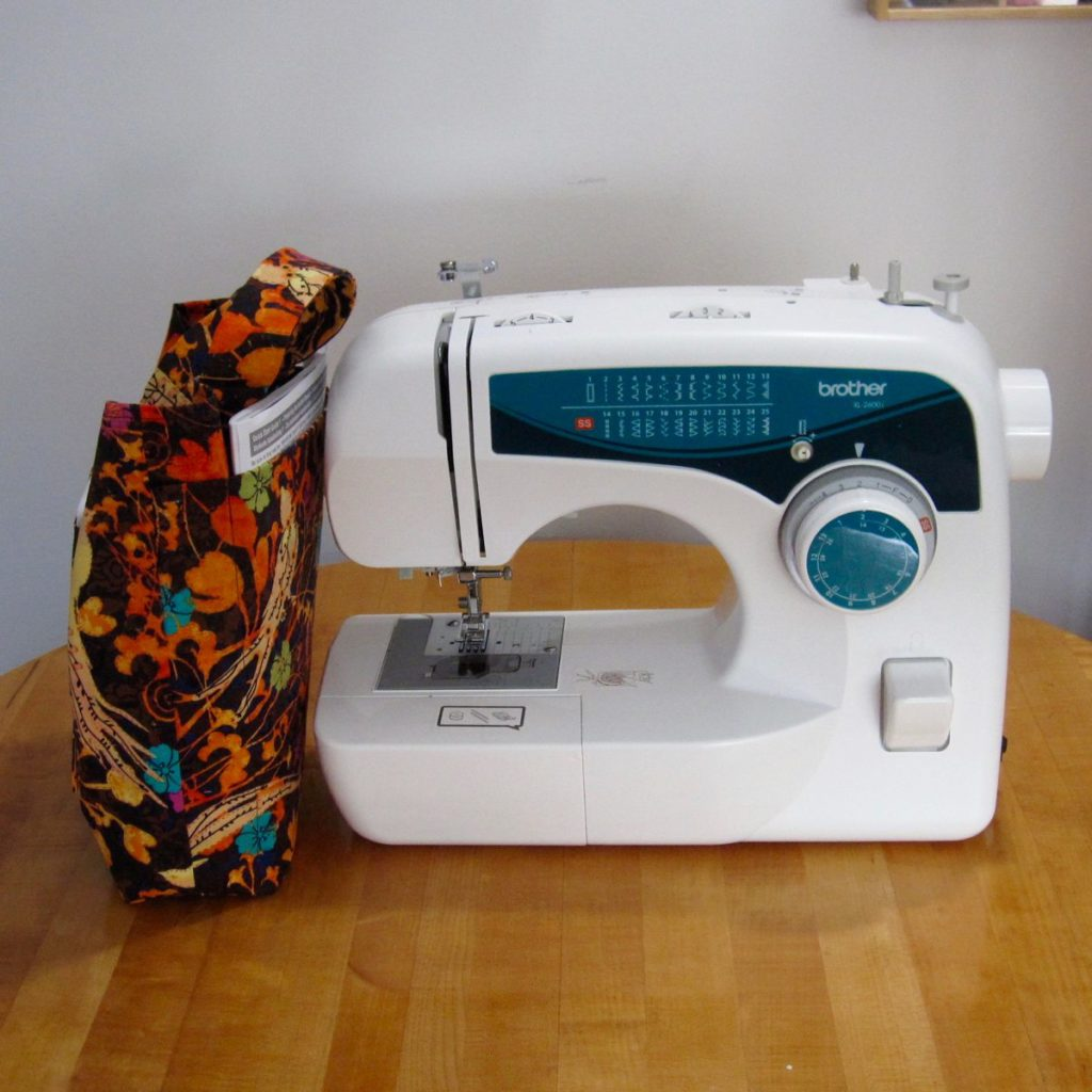 Brother sewing machine with tote bag