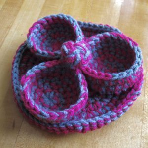 trefoil basket with button knot and tray